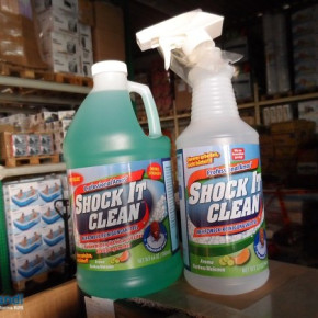 Shock It Clean Sprayem z detergentem